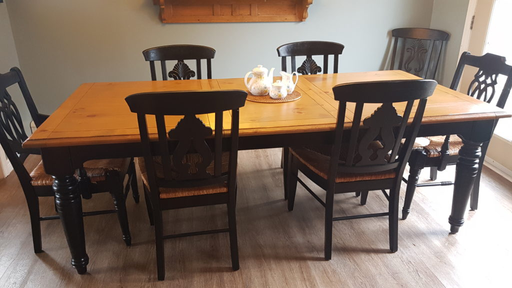 Rustic Kitchen Table Refinish - Hammers & Hand.me.downs